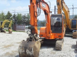 Crawler Excavator Daewoo S55 - V 5.  25 Ton Year 2000 From Korea photo