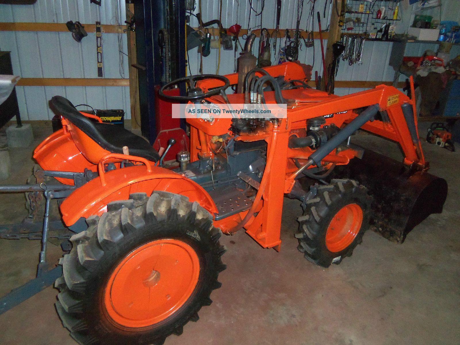Kubota B7100 Backhoe : Kubota b wd tractor