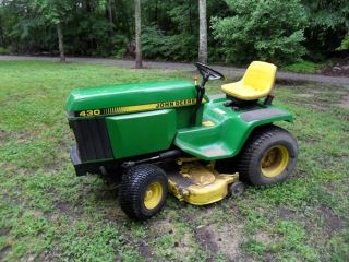 John Deere 430 Diesel Farm/lawn Tractor photo