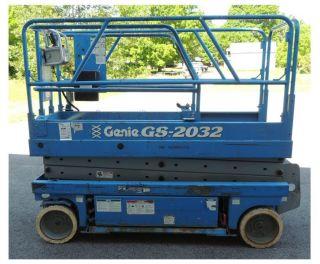 Genie Gs2032 Scissor Lift photo