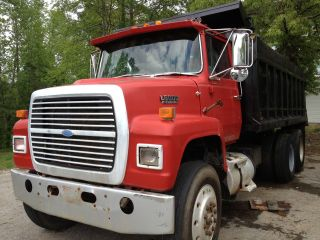 1976 Ford L8000 photo