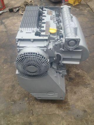 Genie Boom Lift Deutz Diesel Engine photo