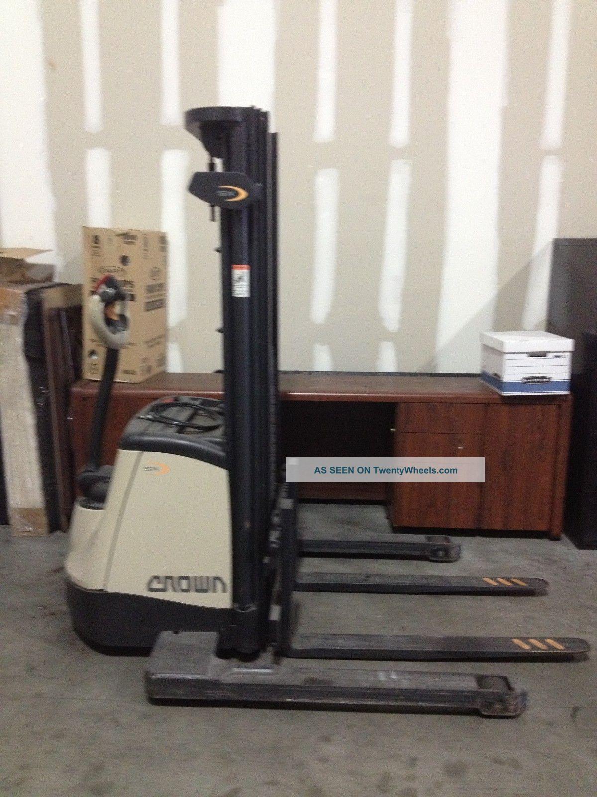 Crown Sx3000 Forklift High Lift Truck