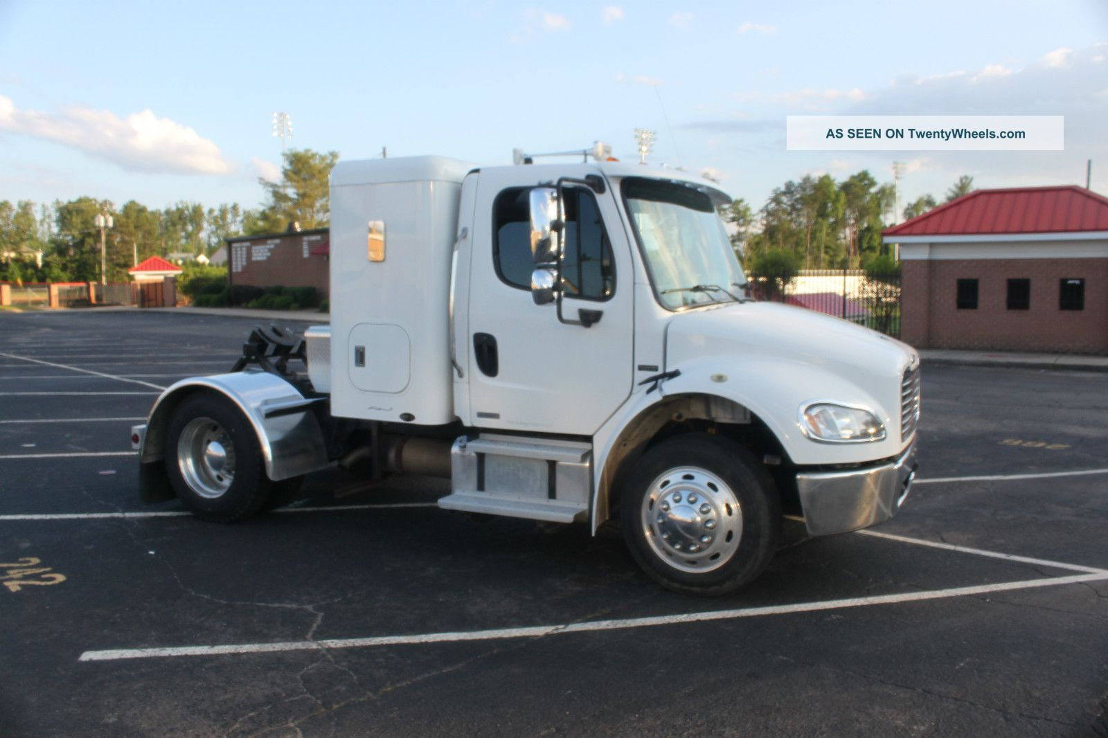 Freightliner Single Axle Sleeper >> 2004 Freightliner M2 - 106 Business Class