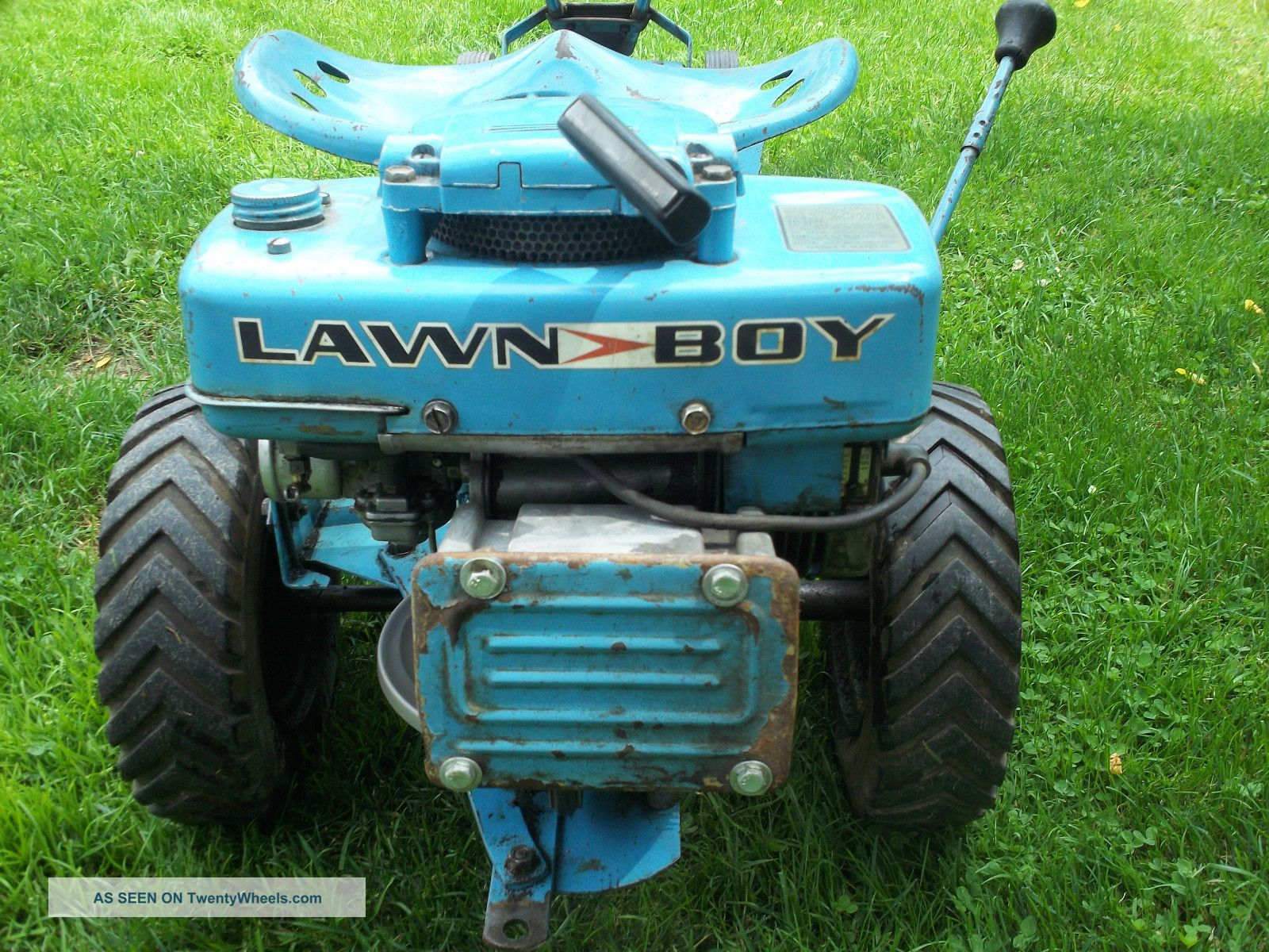 Old Riding Lawn Mowers : Blue lawn boy loafer riding mower tractor