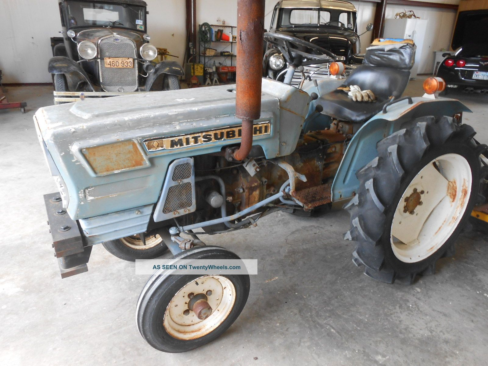 Mitsubishi D1800 Tractor : Mitsubishi tractor with hp diesel engine and howse mower