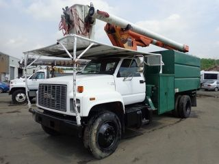 1995 Gmc C7500 Bucket Boom Chipper Dump Truck photo