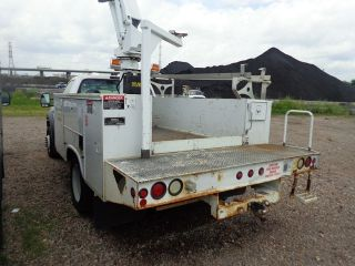 2005 Ford F450 Bucket Boom Truck Powerstroke Turbo Diesel photo