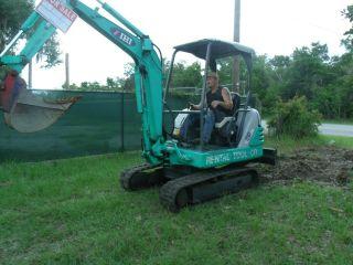 28j Mini Excavator photo