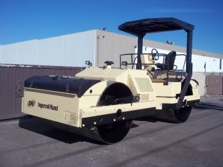 Ingersoll - Rand Compactor Roller Vibrator With Sprayers Diesel Engine photo