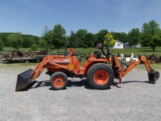 Kubota Tractor L2550 Loader Backhoe photo
