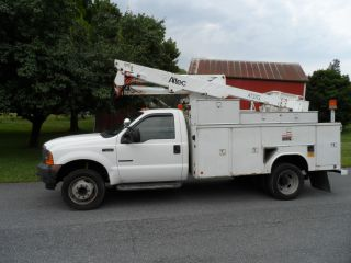 2001 Ford F - 550 photo