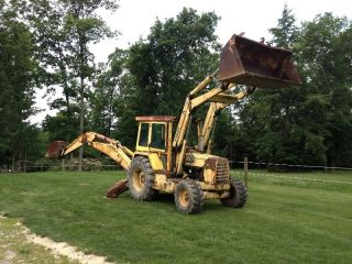1974 2wd Ford 7500 Backhoe -