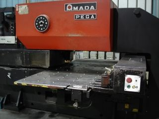 Turret Punch Cnc 33 Ton Amada Model Pega 345 King (1989) photo