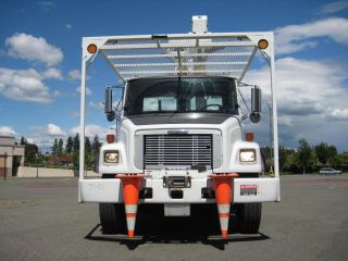 2000 Freightliner Fl - 70 4x2 photo
