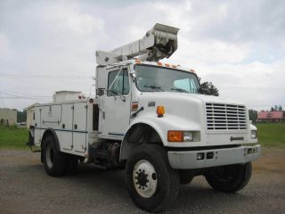 1997 International 4800 4x4 photo
