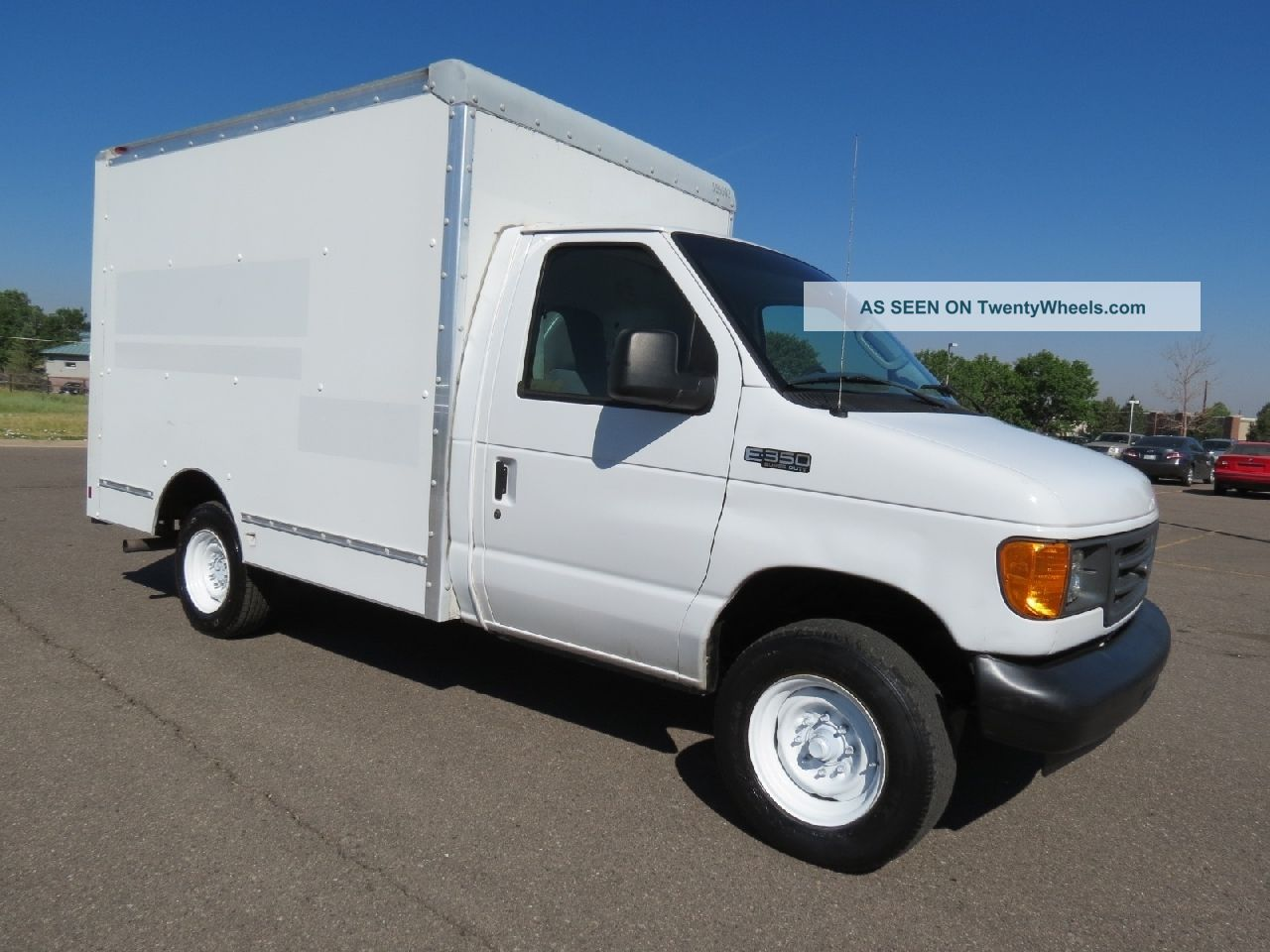 9332 2005 ford e350 service utility work van delivery box truck on semi truck dump trailers specs