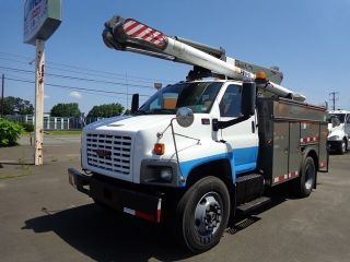 2005 Gmc C7500 Altec Bucket Boom Cat Diesel photo