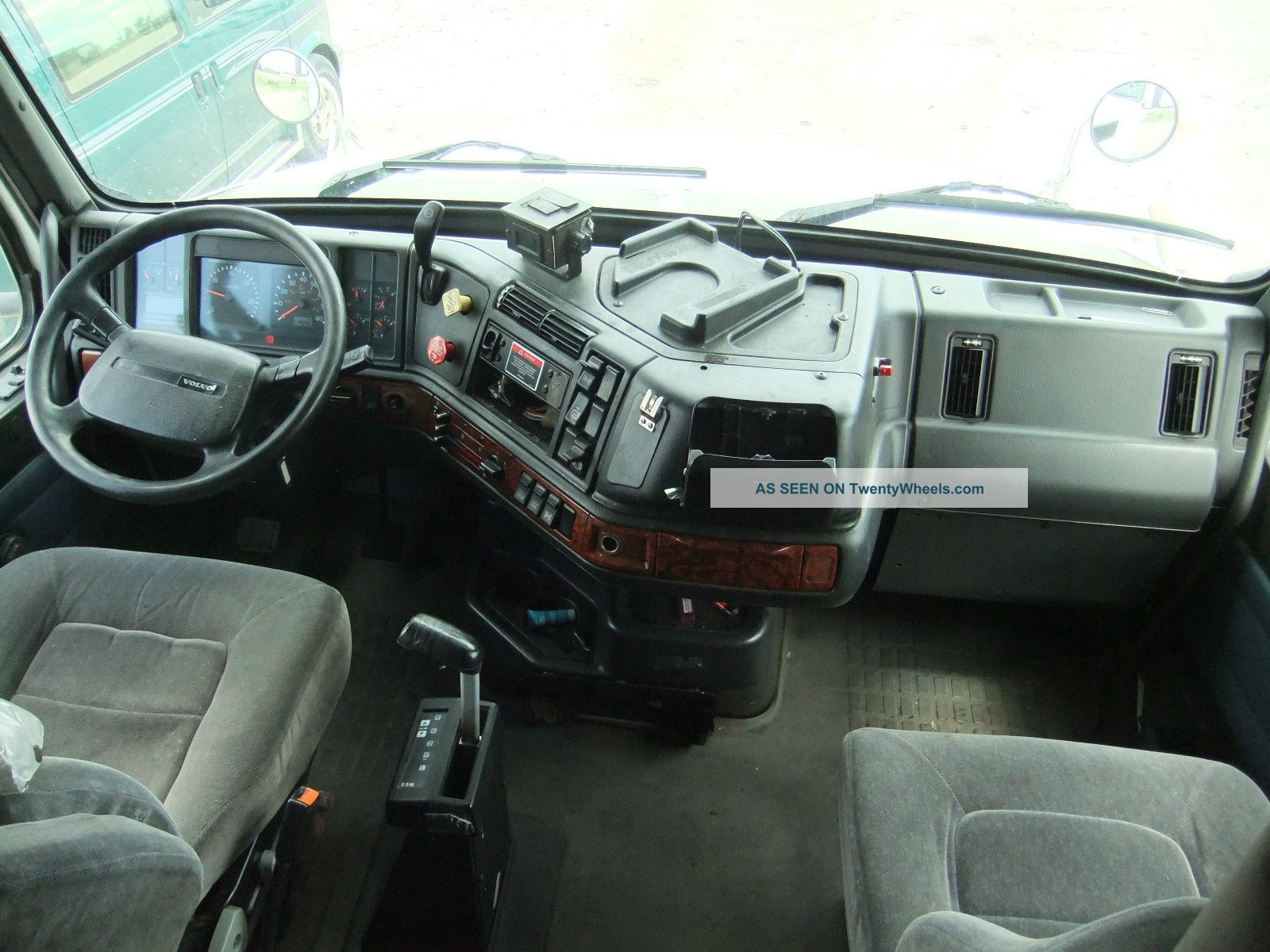 volvo semi truck sleeper interiors pictures to pin on pinterest