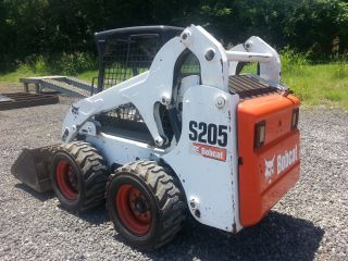 2006 Bobcat S205 Skidsteer Loader 2900 Hours; S185 763 S250 S160 753 photo