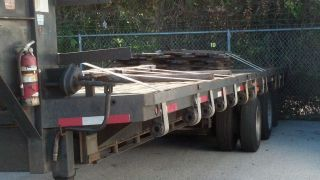 2000 Gooseneck Trailer 20ft photo