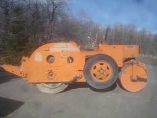 Galion 3 - 5 And 4 - 6 Tandem Asphalt Roller With Tow Package photo