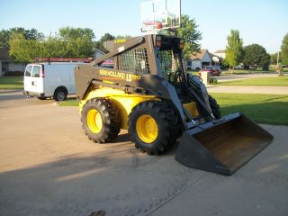 2004 Holland Ls190 Skidsteer photo