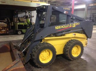 Holland Ls180 Skid Steer photo