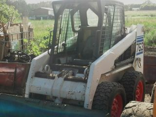 2002 Bobcat 763g Skid Steer Loader.  Cab & Heat (facory Door Included).  Low Hrs photo