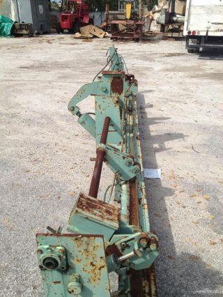 Metal Tube Straightening Machine photo
