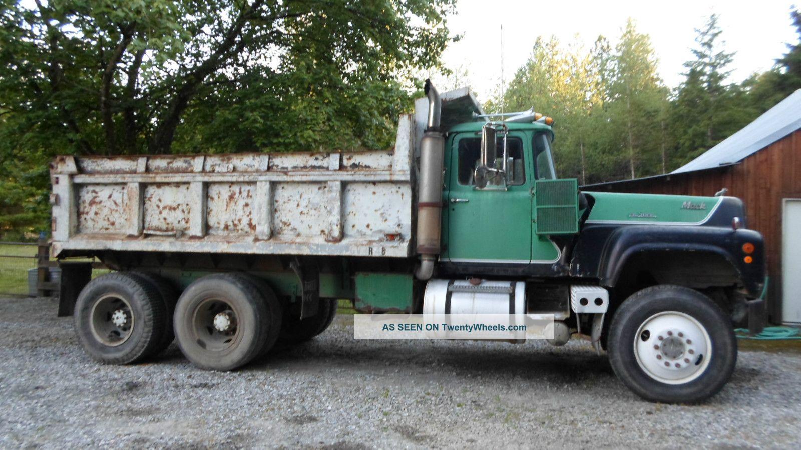 1970 Mack Truck : Mack rl