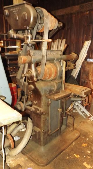 Brown & Sharpe Milling Machine Comes With A Box Of Mill Cutters photo