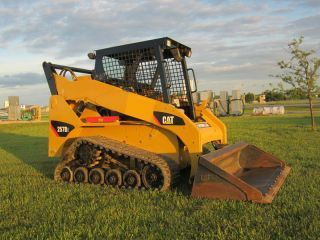 2010 Cat 257b2 Track Skid Steer Loader,  Open Station,  With photo