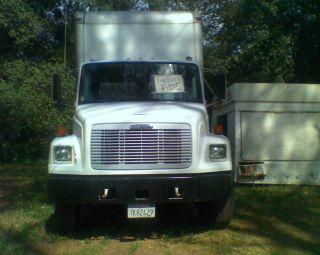 2000 Freightliner Fl70 photo