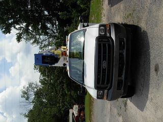2003 Ford 550 photo