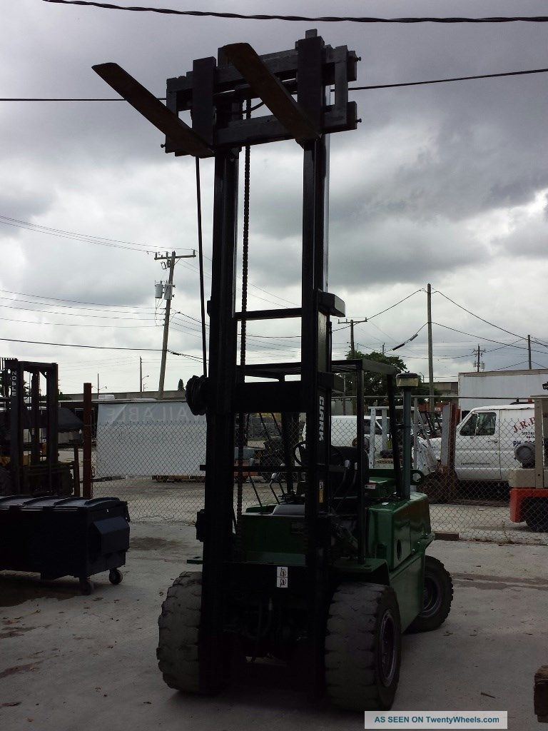 Clark Diesel Forklift With 10 000lbs Capacity 2 Stage