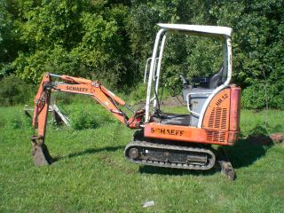 Schaeff Hr12,  Terex,  Mini Excavator,  Mini Hoe,  2002 photo