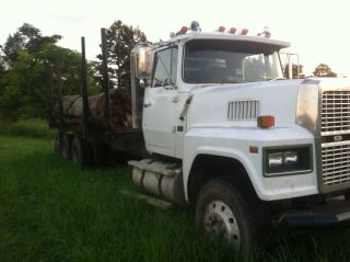 1986 Ford L9000 photo