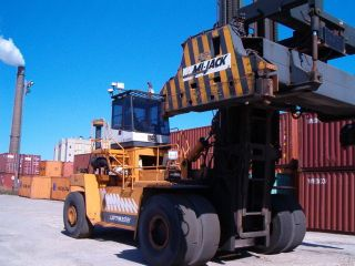 Fantuzzi 450h4 Loaded Container Handler 2003 Intermodal Toploader photo
