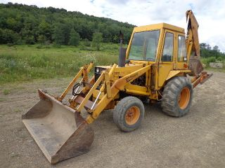 Case 580b Diesel Backhoe Loader Tractor Enclosed Cab Heater Operational photo