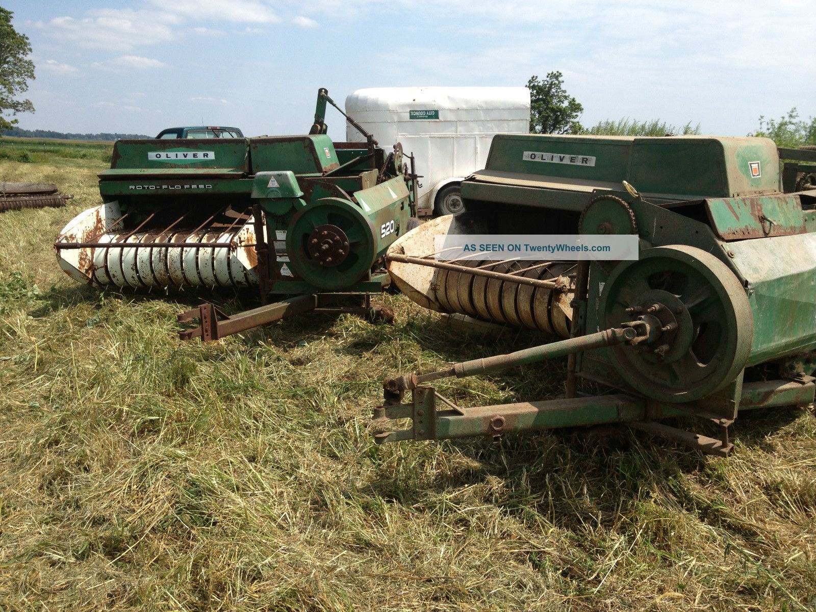 1 of 2 Oliver 520 hay balers | Hay balers, Farm equipment ...