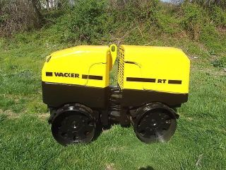 2003 Wacker Trench Roller 18hp Infra - Red Remote Control Lombardini Engine photo