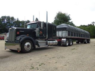 1993 48 ' Wilson Spread Axle Flatbed Trailer Combo With Side Kit. photo