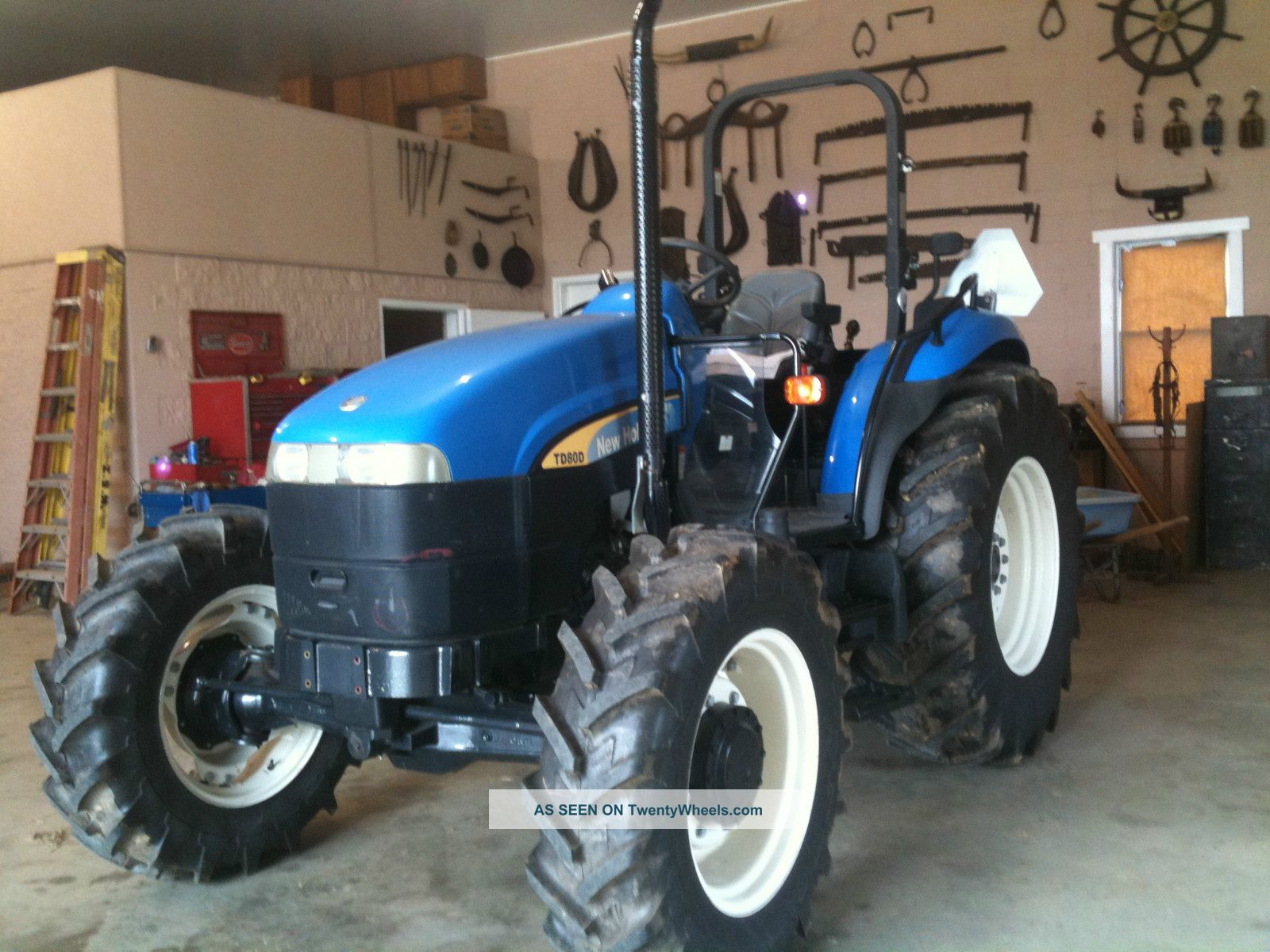 Holland Td80d 4x4 Tractor Equipment photo