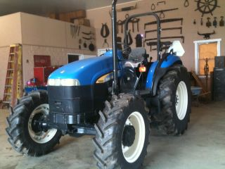 Holland Td80d 4x4 Tractor photo