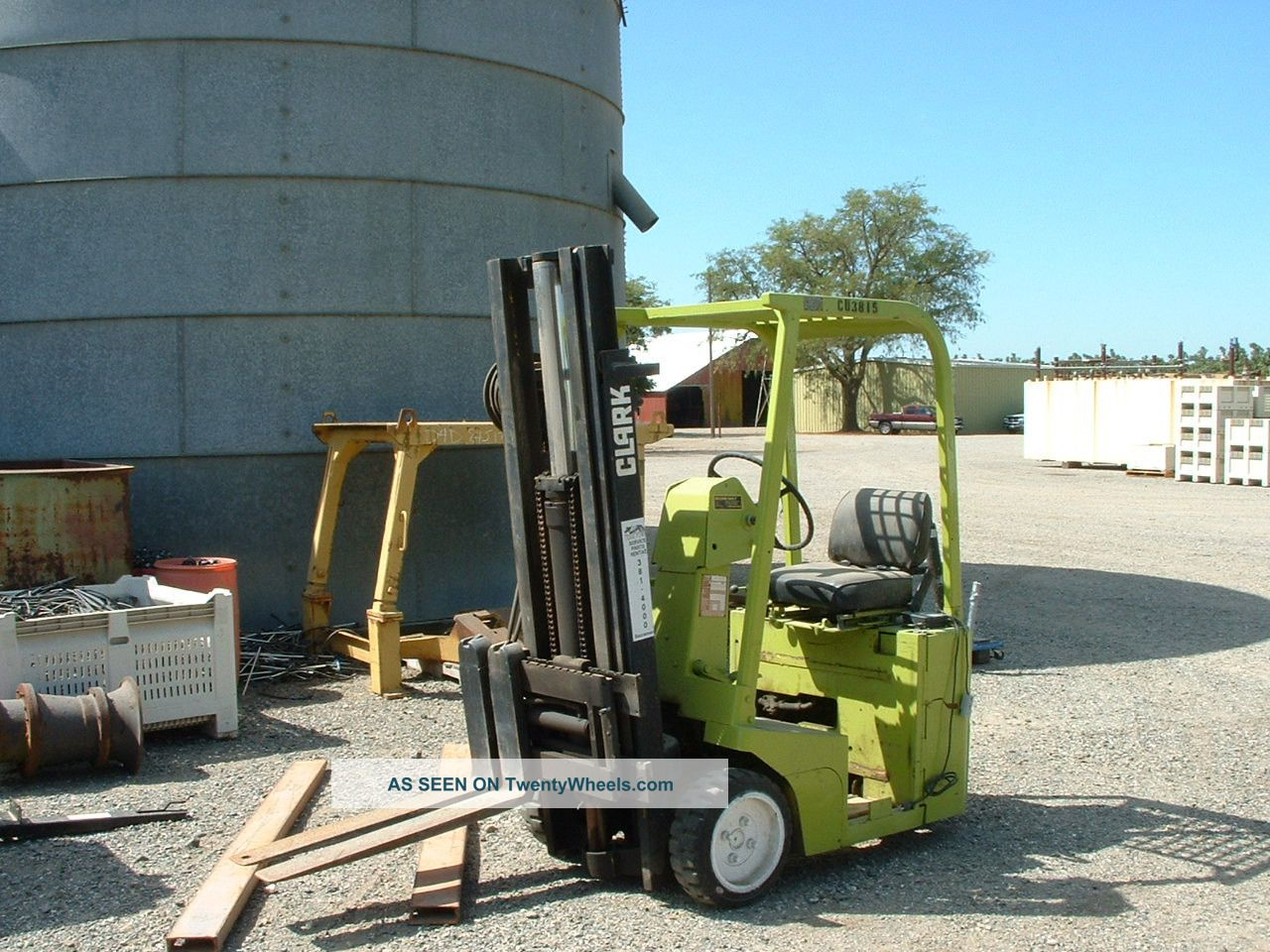 24866 Nifty lift sp34 boom lift 4x4 dieselelectric together with Roll off trailer Roll off trailers besides Solidstand seeders further 24869 91 vermeer t655 trencher moreover Diamond Mowers. on drop deck semi trailers agriculture