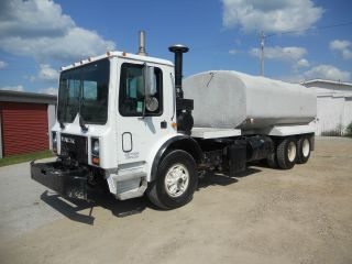 1995 Mack Mr688s Financing Available photo