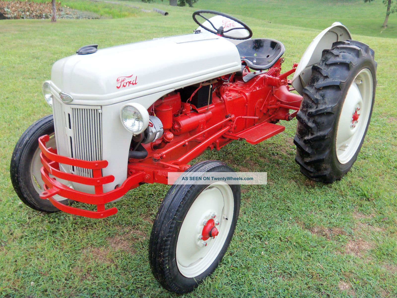 8n Ford Tractors : N ford tractor specs