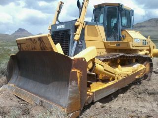 2001 1050c Deere Dozer photo