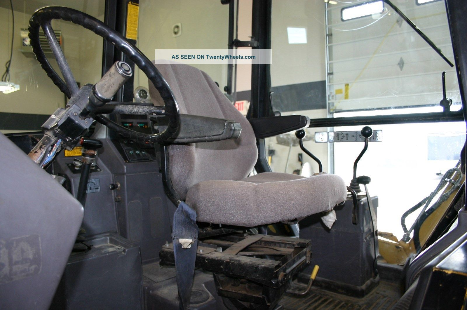 555 Ford Backhoe Seats : Ford c hp